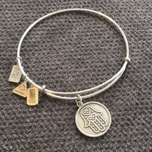 Wind & Fire Jewelry - Wind & Fire Jewelry - Hamsa Charm Bangle Bracelet